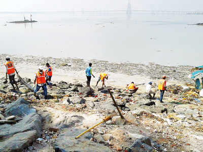 BMC to turn mangy Mahim beach into a tourist spot; plans a makeover with white sand volleyball court