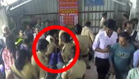 Mumbai: Quick reaction by policewomen saves unconscious woman at Dadar station