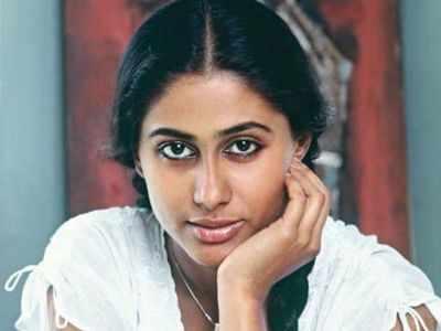 Remembering Smita Patil on her birth anniversary