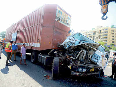 5 accidents in 6 hrs at Katraj; 2 dead