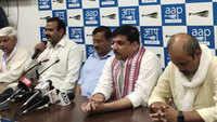 Delhi: BJP leader Chaudhary Surendra Kumar joins AAP
