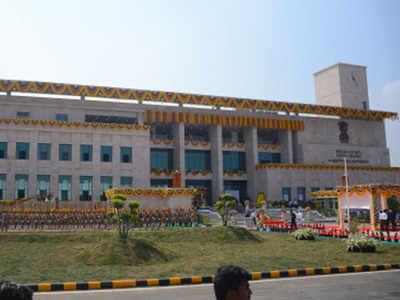 Following official's demise, Andhra Pradesh High Court suspends work till June 28
