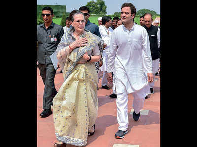 Govt withdraws SPG security of Gandhis