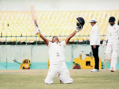 Ranji Trophy: Sarfaraz Khan walks the tightrope