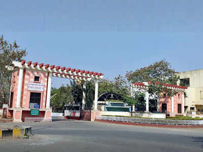Five booked for playing with assets, funds of Wakad bungalow hsg soc