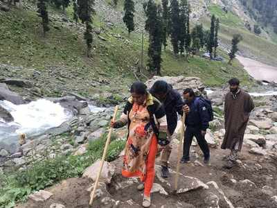 Jammu and Kashmir govt curtails Amarnath Yatra due to terror threat, asks yatris and tourists to leave immediately