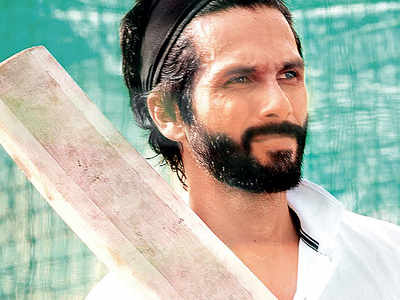 Shahid Kapoor's back on field with Jersey and readying for flurry of sixes