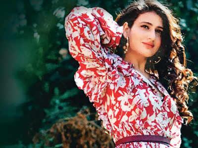 Fatima Sana Shaikh: I am a sleazy Shah Rukh Khan fan who stalks him on social media