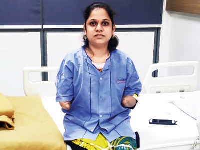 Monica More who had lost both her arms in accident receives transplants, 'to regain 95% of hand function'