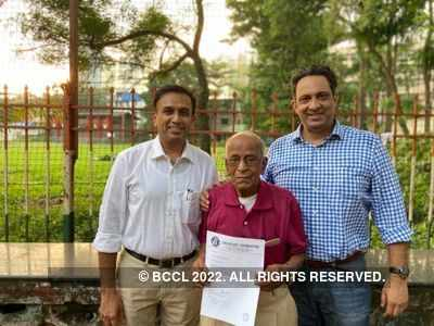 Elderly coaches given financial aid by Cricketers' Foundation