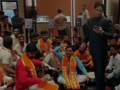 Shiv Sena workers create ruckus at Navi Mumbai theatre that didn't have 'Thackeray' film posters