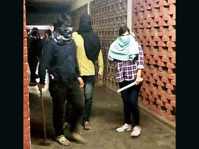 Delhi Police identify 37 from WhatsApp group linked to JNU violence