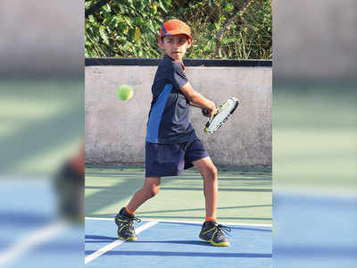 Khanvalkar score upset win to enter last four