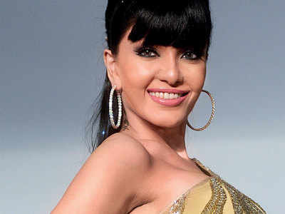 Cheque bouncing case: Koena Mitra gets six months' jail