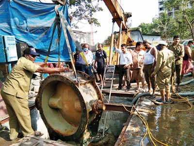 BMC workers to get 14 days off in a month to protect them from COVID-19