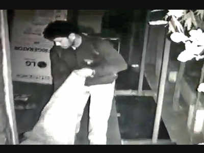 Nigdi police looking for thief who steals branded shoes only, NCP corporator's society targeted