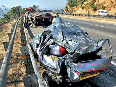Overtaking by road shoulder leads to most Eway accidents