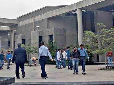 2 IIT-Gandhinagar students allegedly beaten up by cops