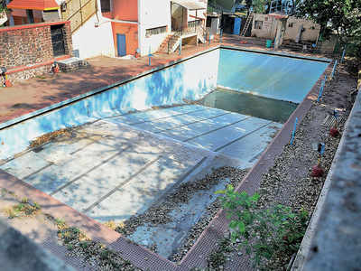 Yerwada pool runs dry as PMC curbs water wastage