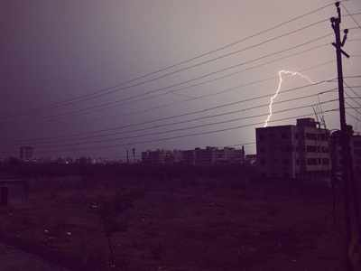 Thunderstorms expected in parts of Maharashtra till April 19, state gets new monsoon calendar