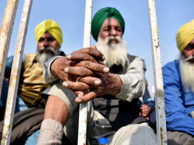 Farmers to intensify protest, to hold tractor rally on January 6 if talks fail