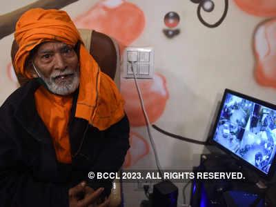 Baba Ka Dhaba's Kanta Prasad returns to old eatery after restaurant fails