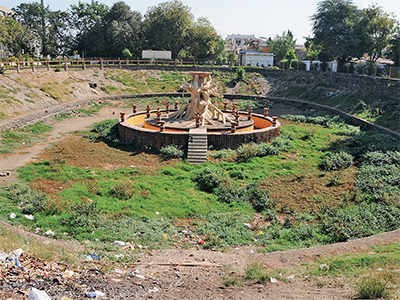Ahmedabad's existing 17 artificial lakes either polluted or empty