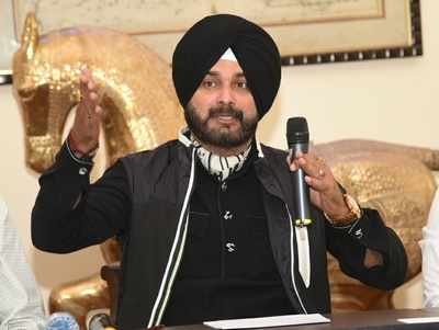 1988 road rage case: No one likes Navjot Singh Sidhu in Congress; No help from Punjab government in legal battle