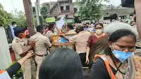 Nagpur cops and BJP workers get into heated argument over protest