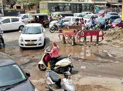 Broken road in Aundh puts commuters in hospital; PMC shrugs it off