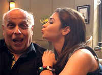 Watch: Alia's love for daddy Mahesh Bhatt