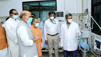 Rajnath Singh reviews DRDO hospital in Lucknow, says this is not the time to criticise