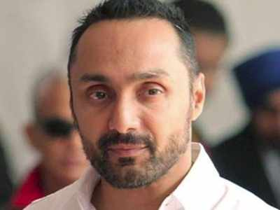 Rahul Bose shocked on being charged Rs 442 for 2 bananas, Twitter goes crazy