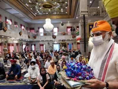 PM Narendra Modi extends greetings on 400th Parkash Purab