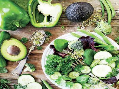 Mirrorlights: Ayurvedic doc busts myths about consuming green salads