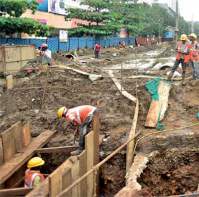 Byculla residents raise a stink as Metro work ruptures sewer line…