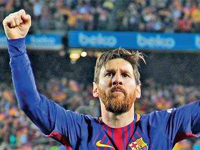 Messi gives 10-man Barca 2-2 draw against Real Madrid