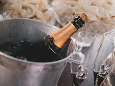 Senior executive orders bottle of champagne, loses Rs 62,000 in e-search fraud in Mumbai