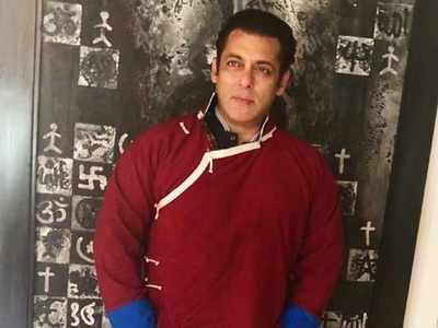 Salman Khan shares video of differently-abled fan drawing his portrait; Sylvester Stallone reacts