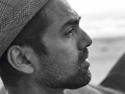 Abhay Deol goes grey now for his next film with Patralekhaa