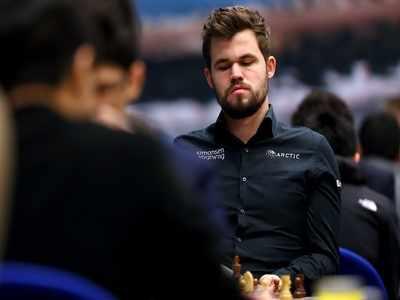 Magnus Carlsen books knockout spot; Harikrishna eliminated