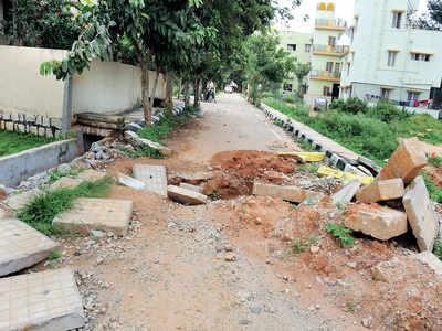 In Yelahanka, landlord tears up a Vikas layout road