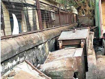 BMC bins, garbage trucks irk Chembur residents