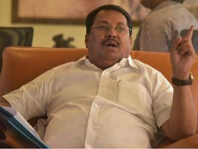 Vijay Wadettiwar replaces Radhakrishna Vikhe Patil as new Leader of Opposition in Maharashtra Assembly