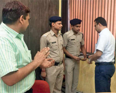 Exchanging contact details with RPF helps foil train robbery bid