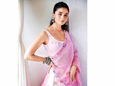 Alia Bhatt joins the shoot of SS Rajamouli's RRR