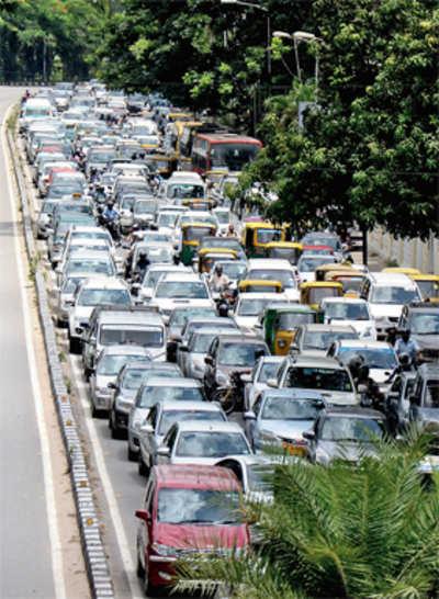 No wonder we' re choking - 1.6k vehicles added to city daily