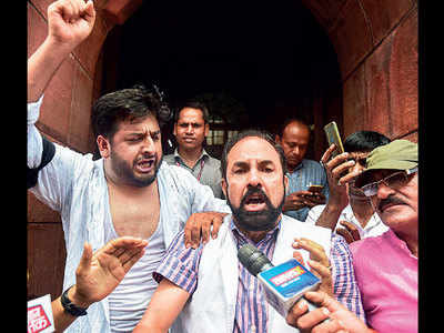 The sleight of hand that was used to amend Article 370