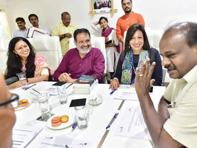 Bangalore Political Action Committee team meets Chief Minister HD Kumaraswamy