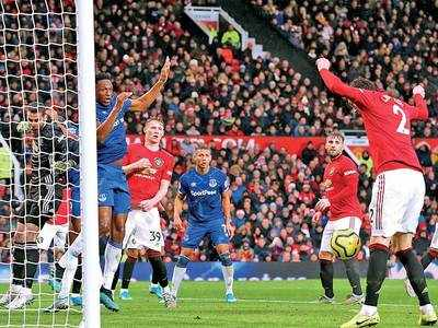Premier League: Manchester United salvage a draw against Everton